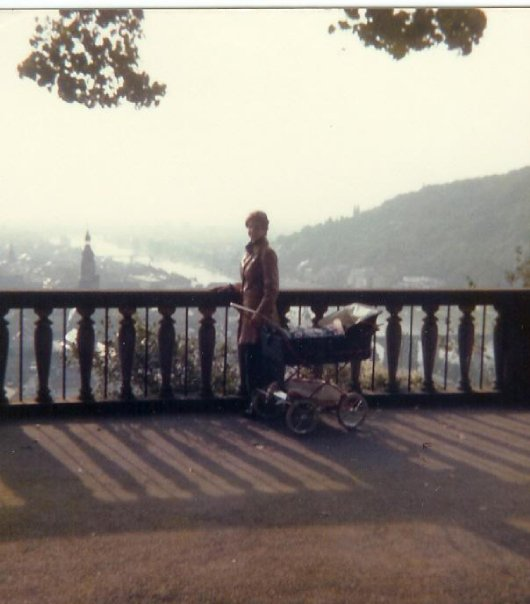 tricia-heidelberg-castle-baby-carriage