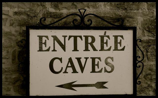 Entrée - Caves - Entrance Sign to Wine Cellar & Tasting - Bourgogne, France