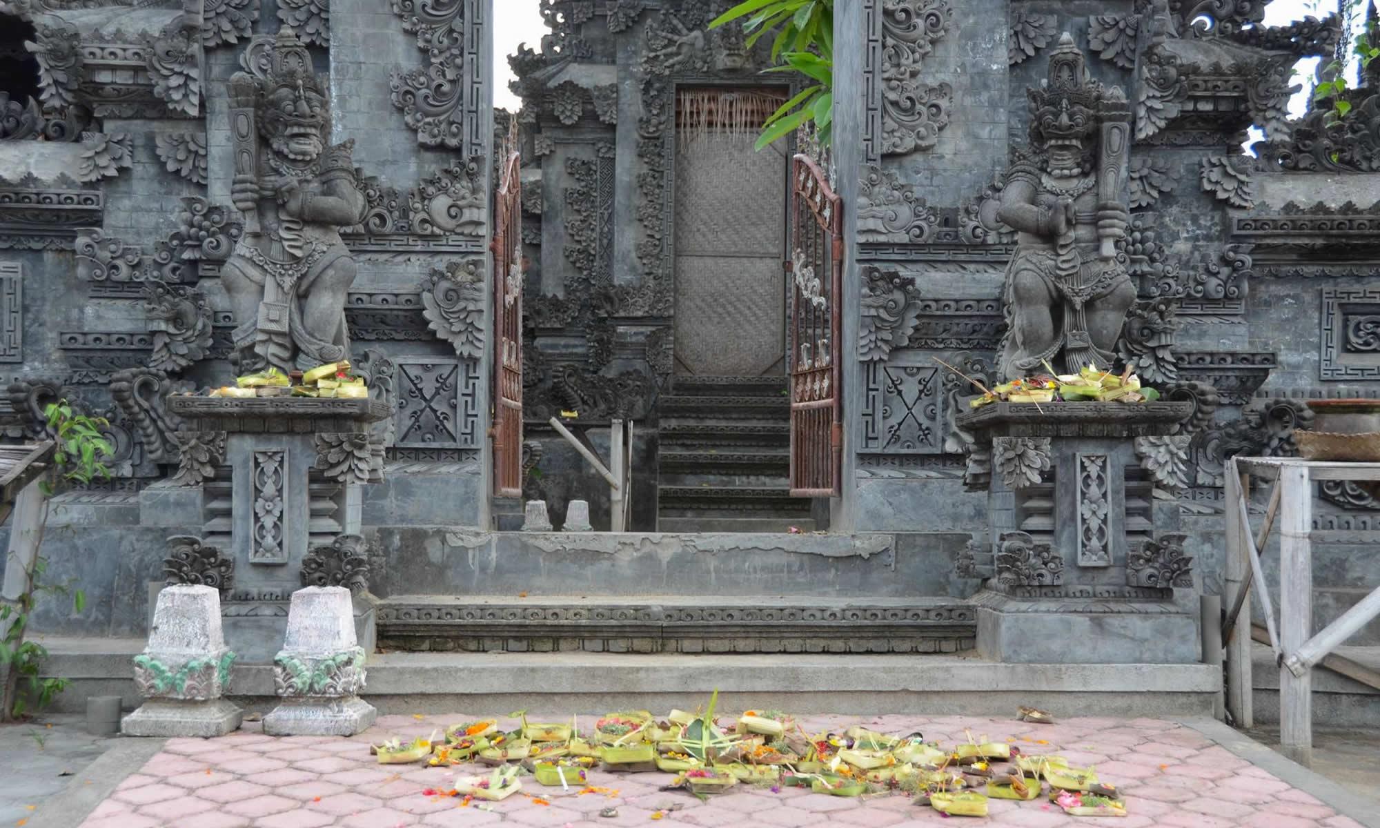 jimbaran-bali-temple-goer-indonesia