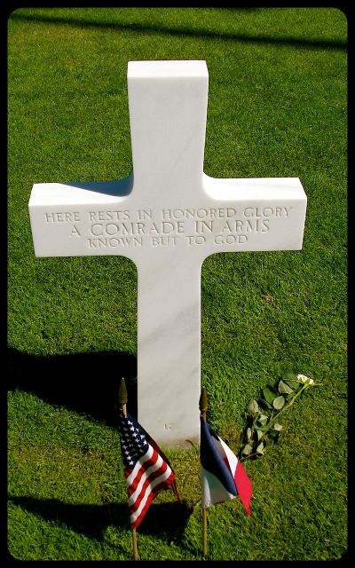 Here rests in honored glory a comrade in arms known but to God photograph by Tricia Mitchell