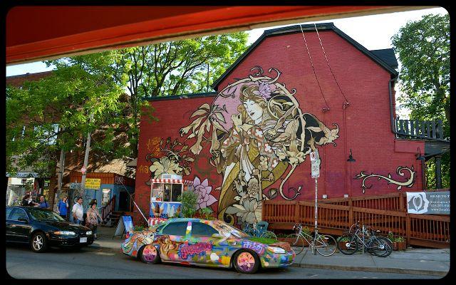 Kensington Streetscape - Toronto - Muraled building