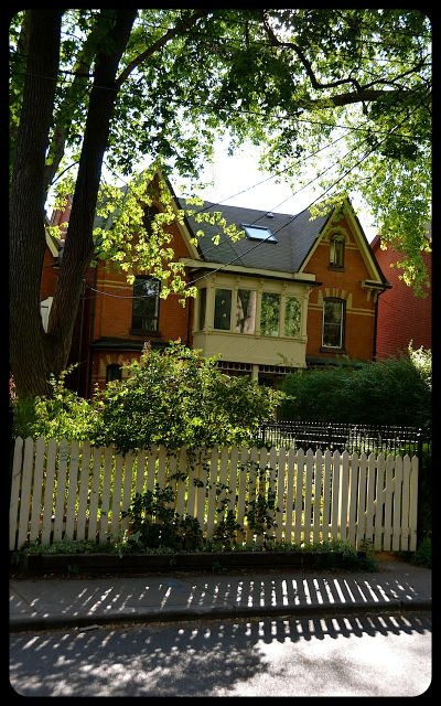 Kensington Home - White Picket Fence - Toronto