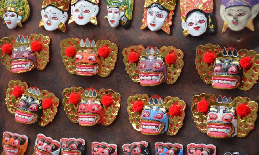 ubud-bali-market-indonesia-souvenirs