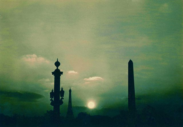 Paris copyright Maurice Sapiro