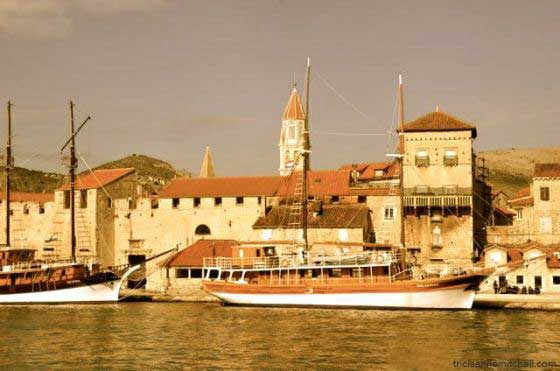 trogir-croatia-visit-tourism-travel06b