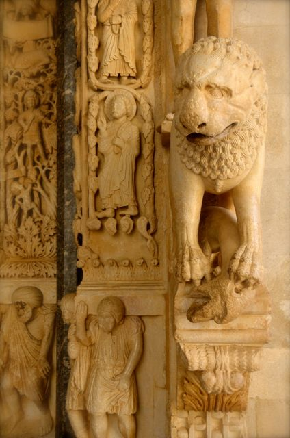 Detail of a lion inside the portal of St. Lawrence cathedral in Trogir, Croatia This was designed by Radovan.