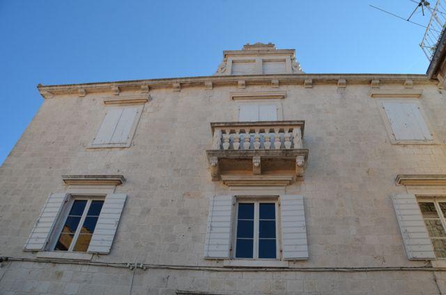 Garagnin-Fanfogna Palace