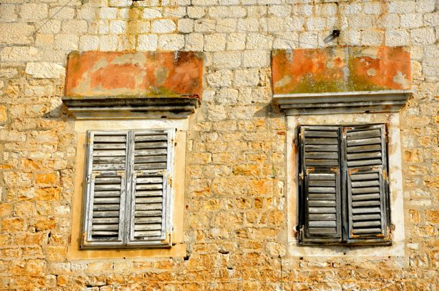 windows in trogir, Croatia