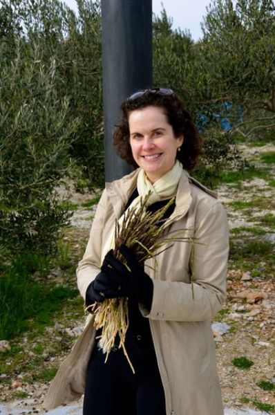 foraging for wild asparagus in Croatia
