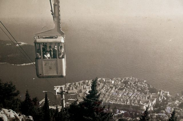 The original cable car, as featured in a poster in the station's hallway.