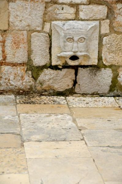 Maskeron Carved Faces in Dubrovnik07