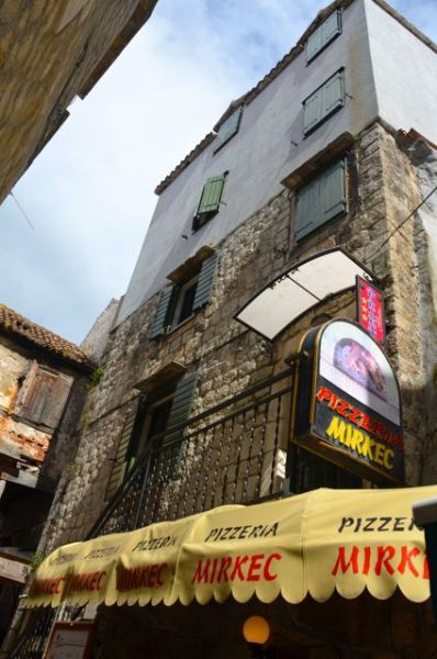 pizzeria mirkec in trogir