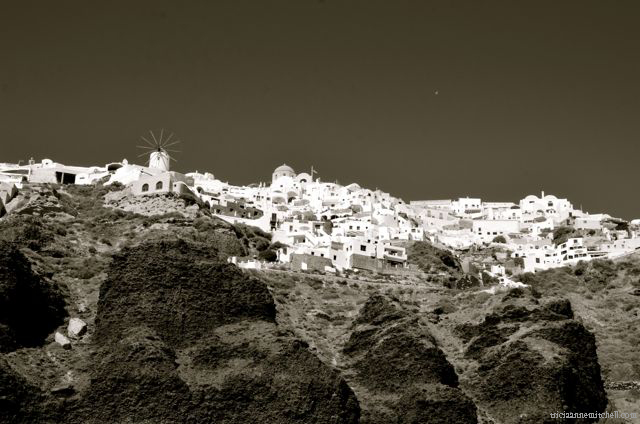 santorini-in-black-and-white167a