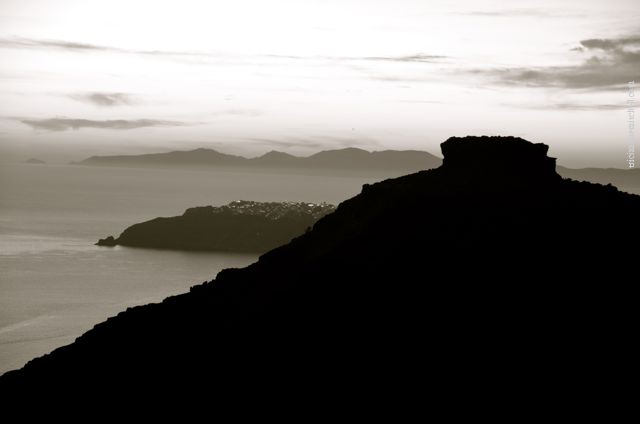 santorini-in-black-and-white16a
