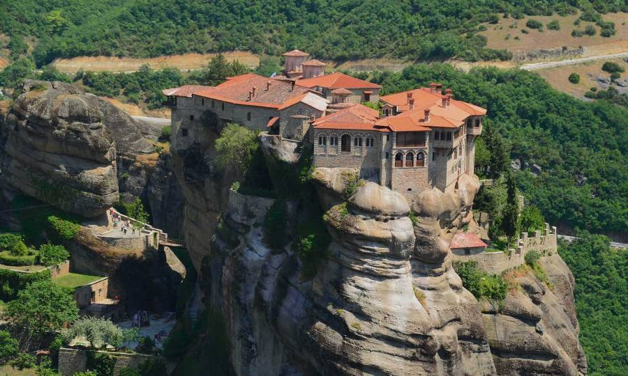 meteora-monastery-hiking-route-tour-greece