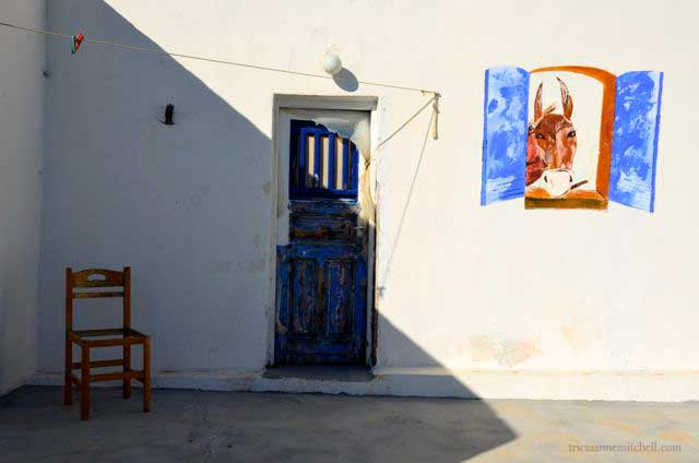 A quirky mural pays homage to Santorini's hard-working donkeys.