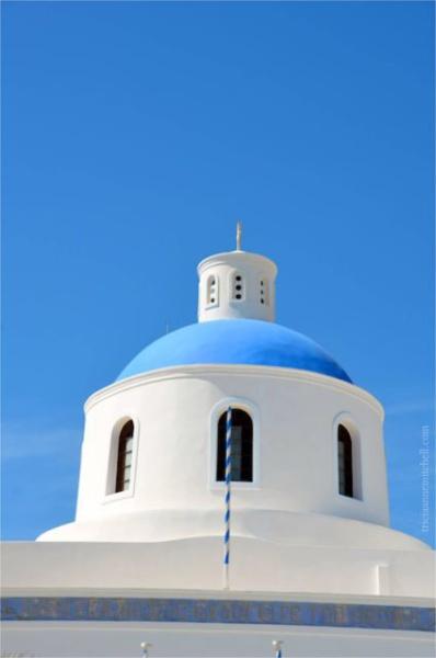 Oia-Santorini-church-dome-a