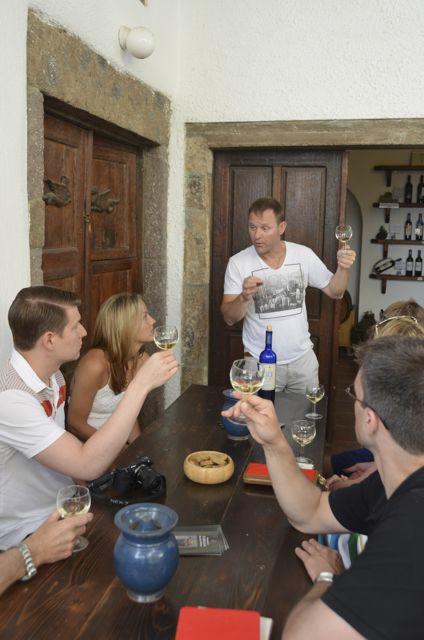 Santorini wine tasting Greek wine13