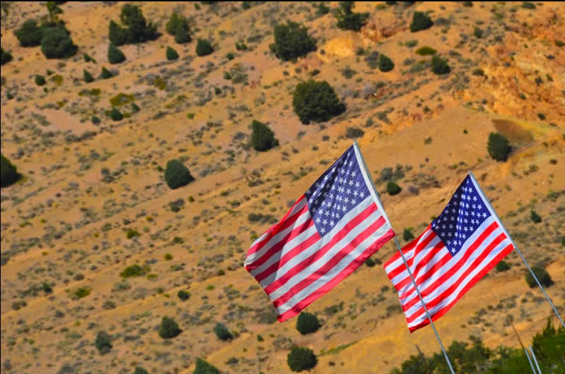 Virginia City American flags