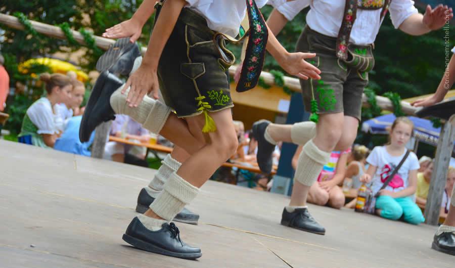 Schuhplattler german folk dance Oberammergau 11