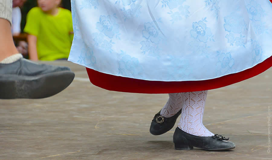 Schuhplattler german folk dance Oberammergau 18