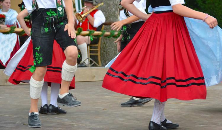 Schuhplattler german folk dance Oberammergau 2