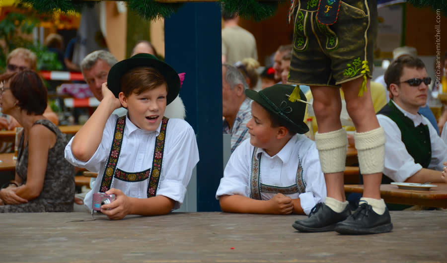 Schuhplattler german folk dance Oberammergau 5