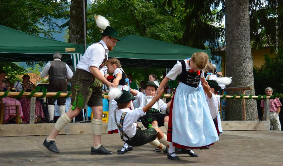 Schuhplattler german folk dance Oberammergau 6
