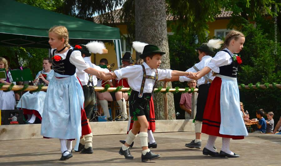 Schuhplattler german folk dance Oberammergau 7