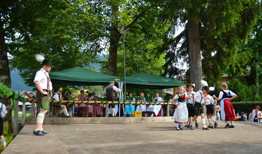 Schuhplattler german folk dance Oberammergau 8