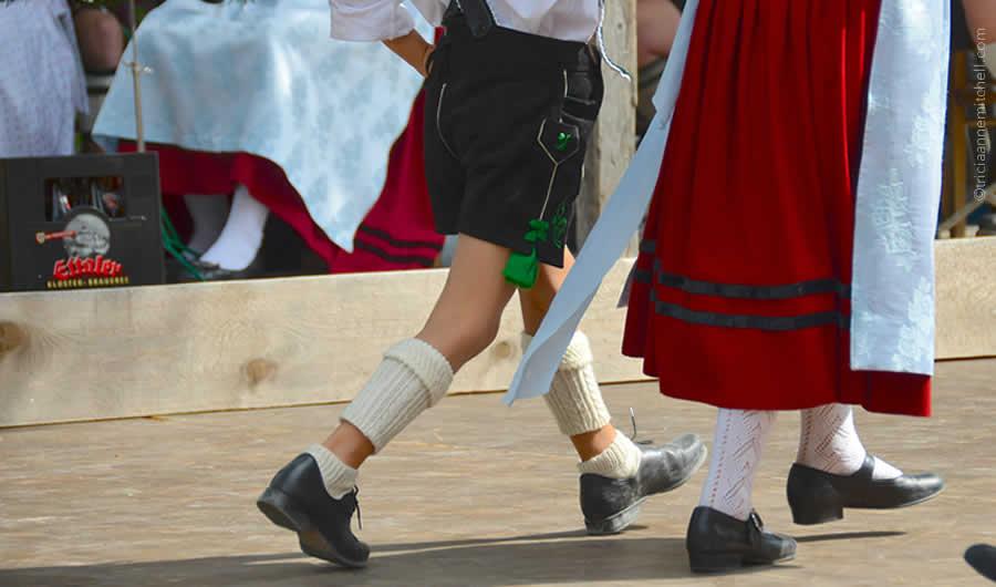 Schuhplattler german folk dance Oberammergau 9