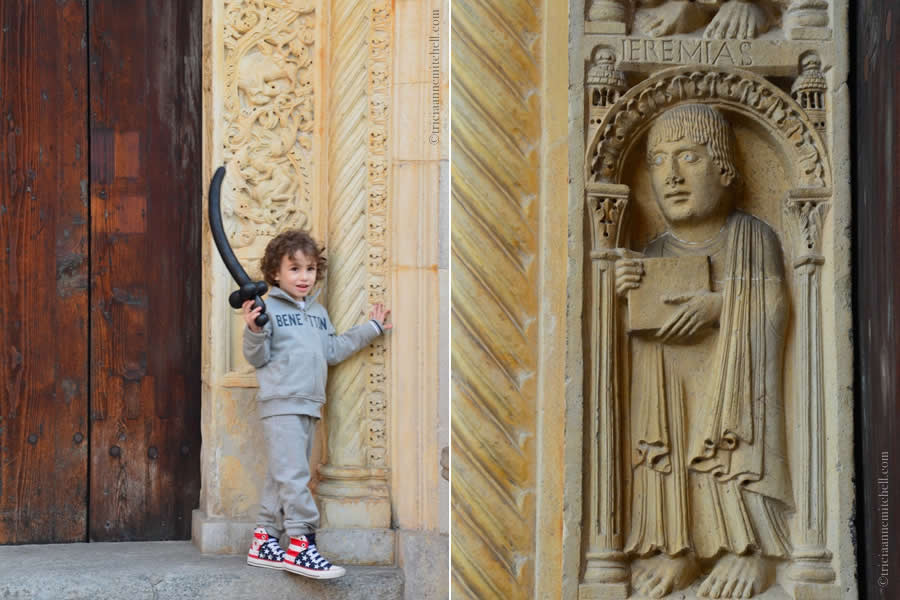 Duomo di Modena Italy Details
