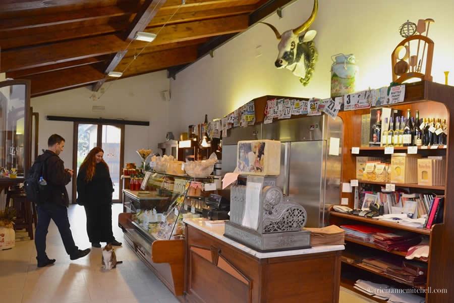 Hombre Parmigiano Reggiano Modena Italy Shop