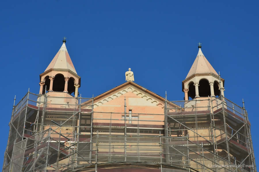 Modena Cathedral scaffolding