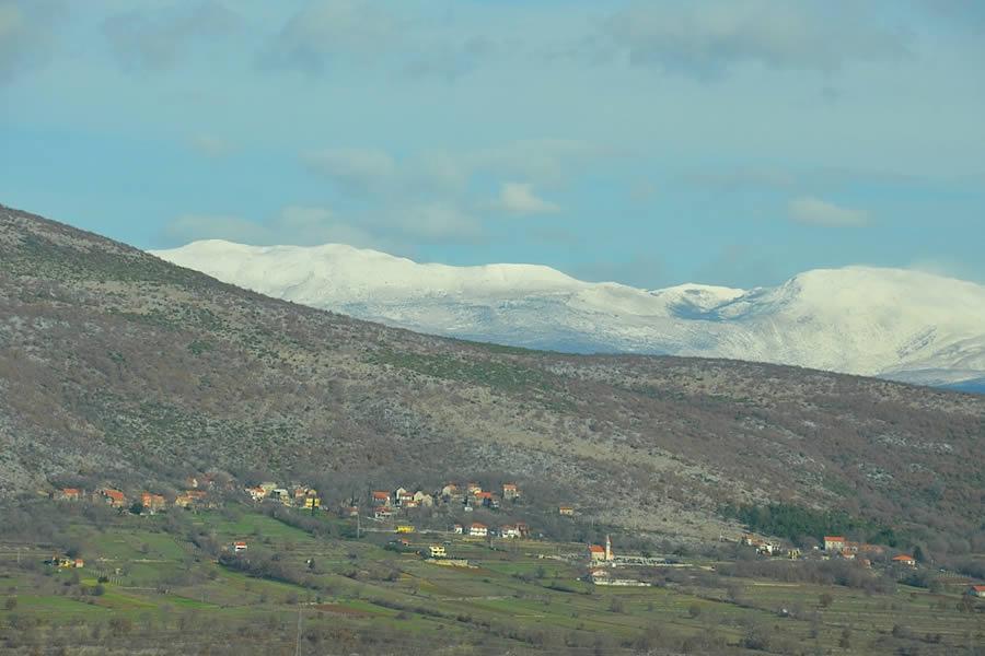 Croatian countryside drive to Krolo Winery