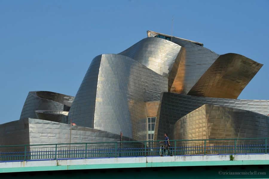 Guggenheim Bilbao Pedestrian