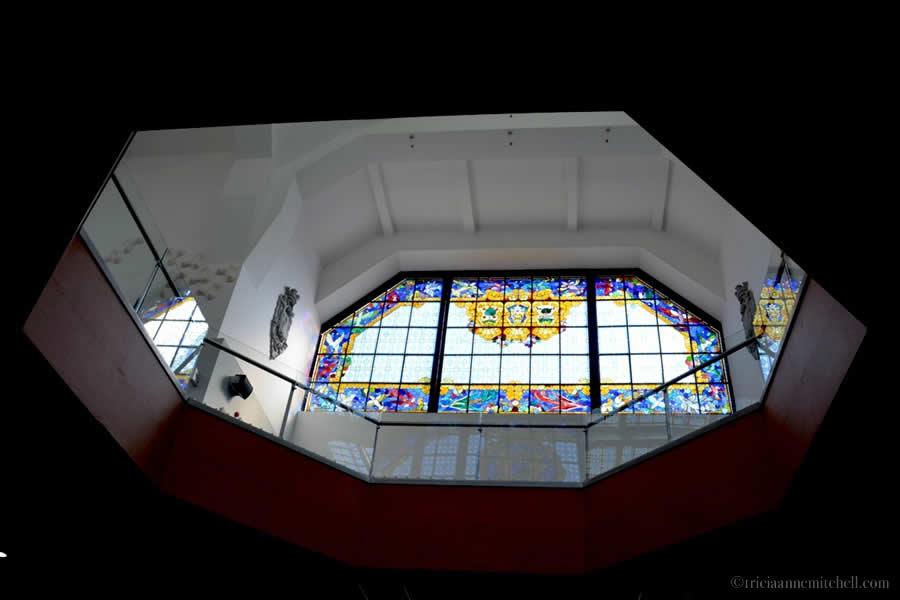 Mercado de la Ribera stained glass
