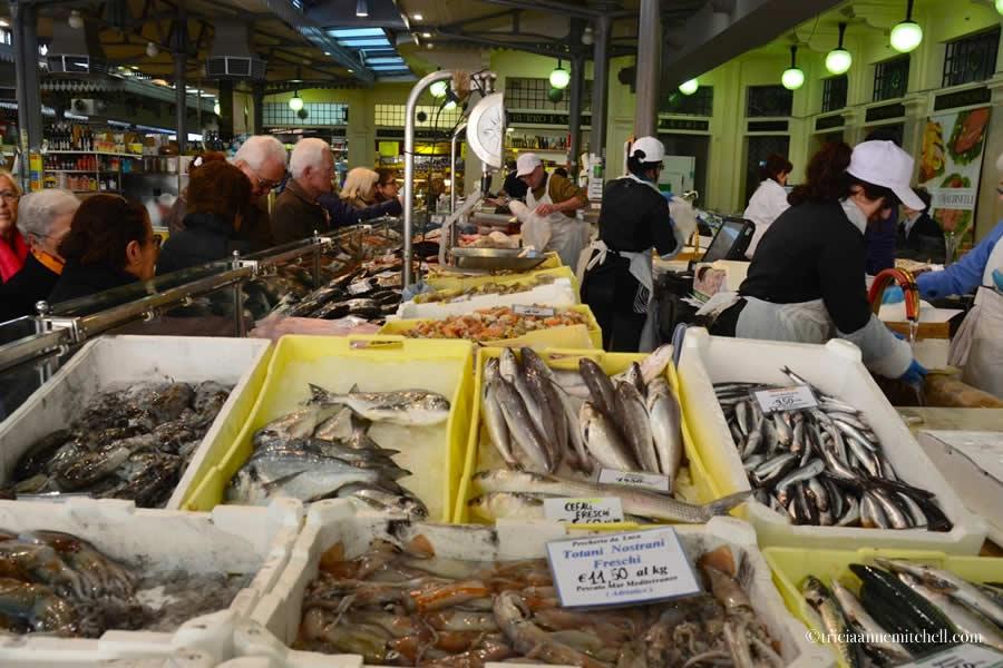 Fish Market Mercato Albinelli Modena