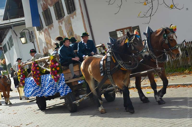 Leonhardiritt parade in Unterammergau