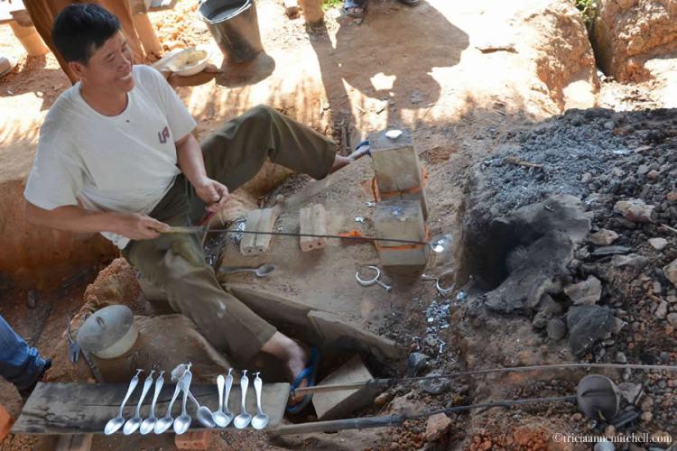 Ban Napia Bomb Spoon Village Laos