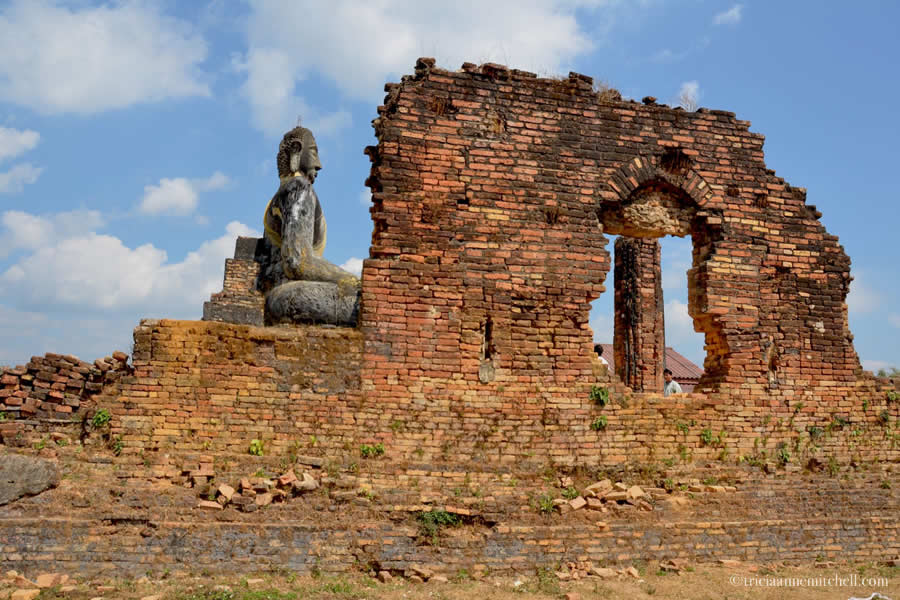 Wat Phia Wat Temple destroyed in war - Laos