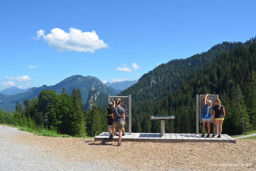 Kolbensattel Oberammergau Children's Games