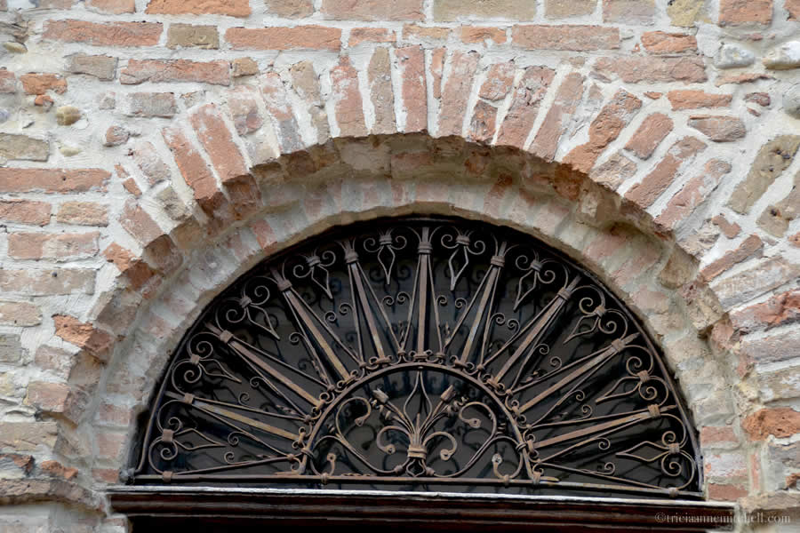 Barbaresco Piemonte Architecture