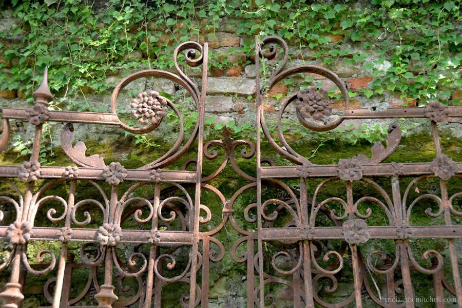 Iron Fence Casa degli Atellani Milan