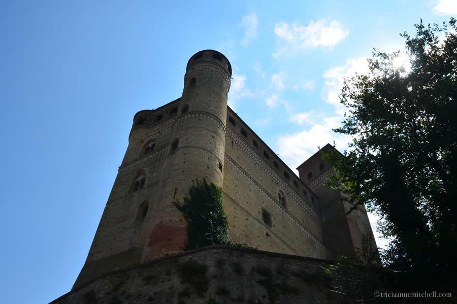 Serralunga d'Alba Fortress